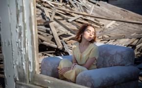 Картинка девушка, дом, руины