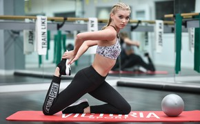 Картинка взгляд, поза, модель, фигура, блондинка, фитнес, model, hair, blonde, pose, спортзал, тренировка, Elsa Hosk, Эльза …
