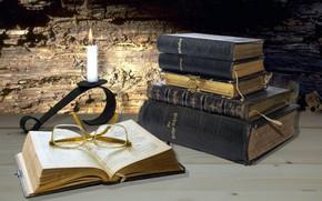 Картинка книги, свеча, очки