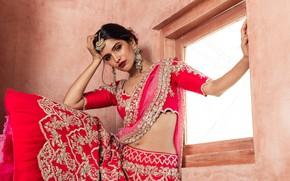 Картинка girl, fashion, beautiful, model, brunette, pose, indian, actress, celebrity, bollywood, makeup, traditional, Jewelery, Vartika singh
