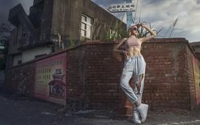 Картинка девушка, город, улица