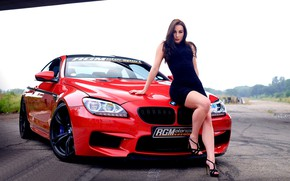 Картинка взгляд, Девушки, BMW, красный авто, на капоте, красивая брюнетка, Christiane Romicke