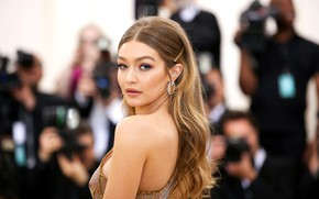 Картинка взгляд, поза, спина, знаменитость, Gigi Hadid