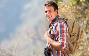 Картинка взгляд, мужчина, рубашка, рюкзак