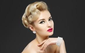 Картинка девушка, макияж, браслет, сережки, фотомодель, YURI ILUHIN