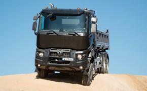 Картинка песок, небо, Renault, кузов, самосвал, трёхосный, Renault Trucks, K-series
