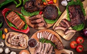 Картинка зелень, мясо, помидоры, чеснок, ассорти, колбаски