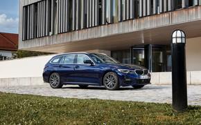 Картинка газон, BMW, 3-series, универсал, тёмно-синий, 3er, 2020, G21, 330d xDrive Touring
