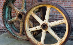 Картинка стена, ржавчина, колёса