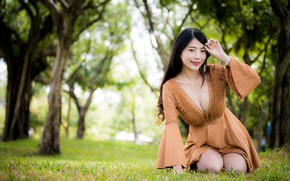 Картинка трава, взгляд, платье, декольте, азиатка