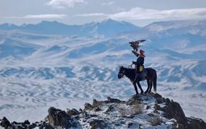 Картинка горы, птица, орел, охотник, Алтай, Монголия