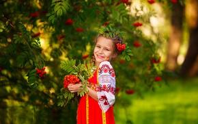 Картинка девочка, улыбка, русский стиль, рябина, осень