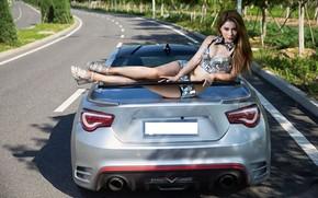 Картинка авто, взгляд, Девушки, азиатка, красива девушка, Toyota 86, позирует на машине
