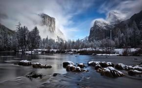 Картинка зима, лес, небо, облака, снег, деревья, горы, туман, река, скалы, водопад, Калифорния, США, Йосемити, Yosemite …