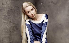Картинка взгляд, поза, фон, стена, модель, портрет, макияж, прическа, блондинка, певица, Iggy Azalea, Игги Азалия