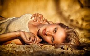 Картинка взгляд, девушка, лицо, руки, размытость, Сергей Ящиков