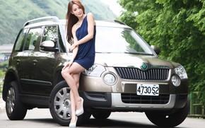 Картинка авто, взгляд, Девушки, азиатка, красивая девушка, Skoda, позирует над машиной