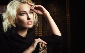 Картинка поза, модель, портрет, макияж, платье, прическа, блондинка, красотка, сидит, в черном, Nikolas Verano