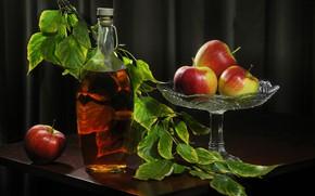 Картинка листья, яблоки, ветка, сок, ваза, фрукты, столик, бутыль, Сергей Фунтовой