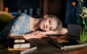 Картинка взгляд, девушка, лицо, настроение, книги, руки, журналы, Анастасия Бармина