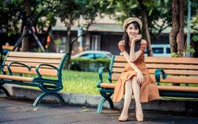 Картинка взгляд, парк, азиатка, сидит, скамья, берет