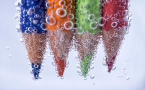 Картинка вода, пузырьки, карандаши