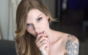 Картинка girl, green eyes, long hair, brown hair, photo, model, tattoo, lips, brunette, rings, portrait, mouth, …