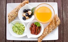 Картинка завтрак, сыр, хлеб, помидоры, оливки, апельсиновый сок, авокадо