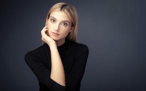 Картинка лицо, поза, фон, модель, рука, портрет, макияж, платье, прическа, блондинка, в черном, Kalynsky