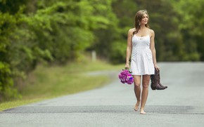 Картинка дорога, лето, взгляд, девушка, цветы, природа, поза
