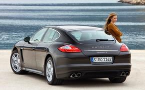 Картинка море, авто, взгляд, девушка, фары, Porsche, 970, Panamera S