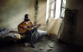 Картинка девушка, гитара, противогаз