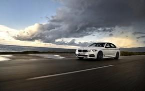Картинка дорога, белый, движение, BMW, лужи, седан, 540i, 5er, четырёхдверный, 2017, 5-series, G30