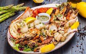 Картинка лимон, краб, осьминог, тарелка, соус, кальмар, креветки, морепродукты, спаржа, гребешки