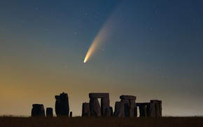 Картинка небо, звезды, комета, Стоунхендж, sky, stars, Stonehenge, comet, Declan Deval, NEOWISE