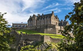 Обои зелень, небо, солнце, облака, деревья, замок, стены, Англия, возвышенность, Edinburgh Castle