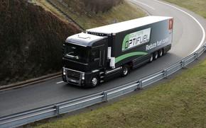 Картинка дорога, трава, чёрный, поворот, ограждение, грузовик, Renault, Magnum, седельный тягач, 4x2, полуприцеп, Renault Trucks