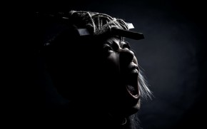 Картинка девушка, крест, крик, экзорцизм