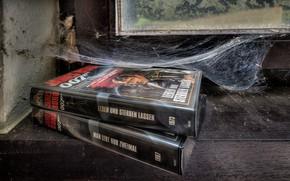 Картинка книги, паутина, окно, 007 james bond