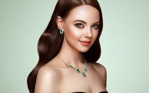 Обои девушка, лицо, волосы, портрет, красота, макияж, брюнетка, украшение, Brunette, длинные волосы, сережки, woman, колье, hair, ...
