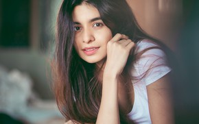 Картинка girl, eyes, smile, beautiful, model, pretty, beauty, lips, face, hair, brunette, pose, cute, indian, actress, …