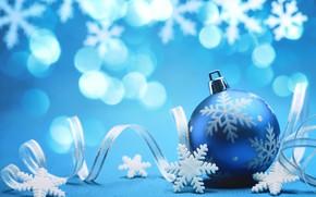 Картинка снежинки, фон, праздник, Новый Год, лента, картинка, боке, елочная игрушка, голубой шарик