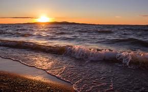 Картинка волны, закат, берег