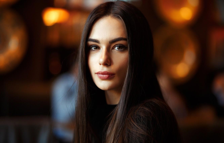 https://img5.goodfon.ru/wallpaper/nbig/0/12/rafael-khalilov-devushka-model-vzgliad-portret-krasivaia.jpg