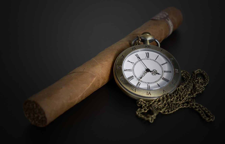 Фото обои сигара, тёмный фон, карманные часы