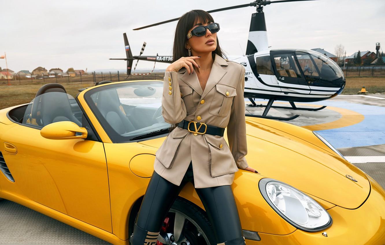 Фото обои девушка, поза, брюнетка, очки, вертолёт, автомобиль, Александр Скрипников