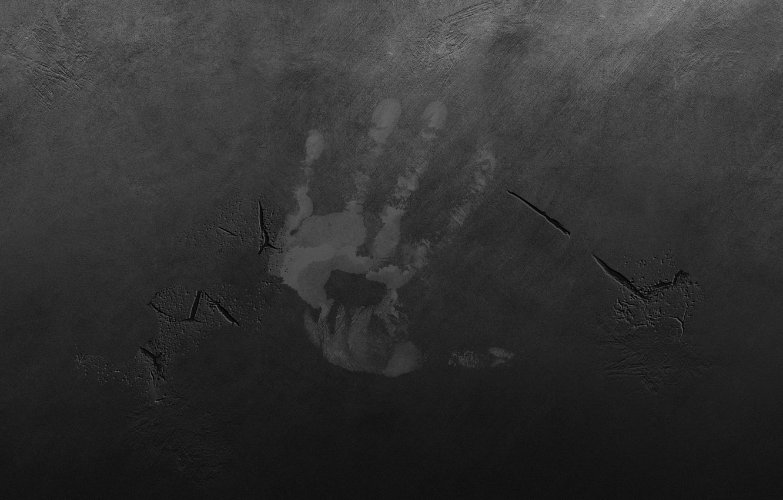 Фото обои трещины, стена, царапины, ладонь, отпечаток