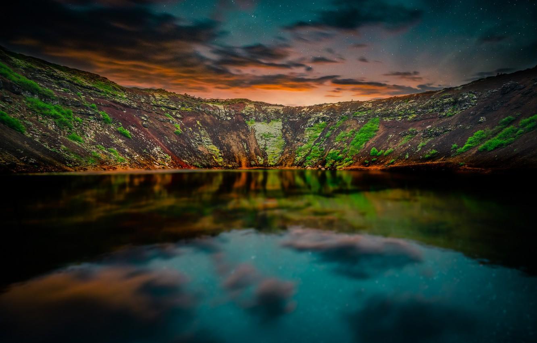 Фото обои небо, звезды, горы, отражение, вечер, сумерки, Исландия, водоем