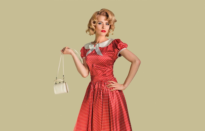 Фото обои взгляд, девушка, поза, ретро, фон, модель, портрет, макияж, прическа, блондинка, сумочка, красное платье, в горошек