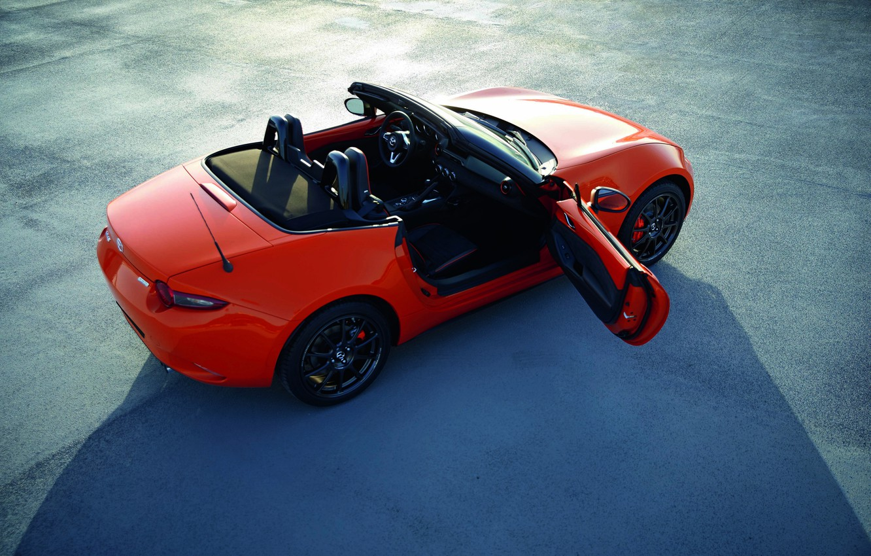 Фото обои оранжевый, дверь, Mazda, родстер, MX-5, 30th Anniversary Edition, 2019